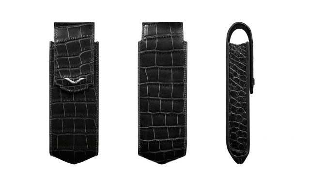 BLACK ALLIGATOR VERTICAL CASE WITH STAINLESS STEEL